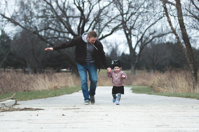a father who co-parents his daughter