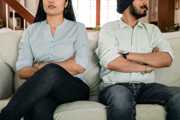 Couple looking to get a divorce in Barrie, Ontario